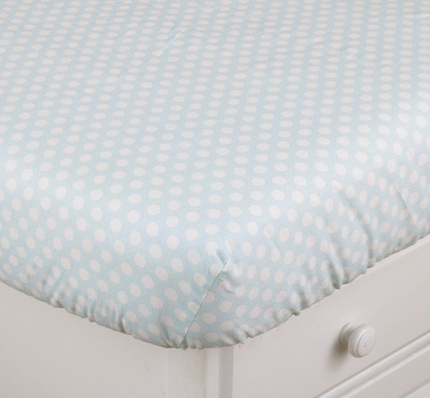 Part of the Lizzie crib bedding sets collection are these fitted crib sheets, which coordinates with the all the designed accessories. Lizzie crib sheets are 100% cotton and have a 200 thread count in soft cotton percale with white polka dots on a light turquoise background! Standard crib sheets measure 52 x 28 inches.
