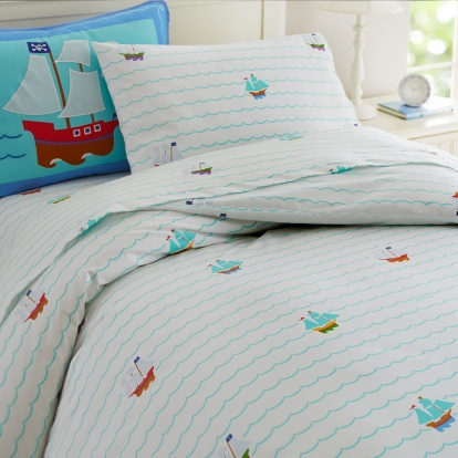 "On a bright white background you will find blue waves lines running through the cover, representing the ocean. Ships in many colors are sailing through the cover and decorate this ultra soft luxurious duvet cover!  This duvet cover is made of e 100% cotton percale with a 210 thread count. Kids can dream wonderful dreams of Anchoradventures with pirates, Peter Pan, Tinker Bell, and Captain Hook. In dreams Neverland is never far away!  Pleasing your children is prime to you and with this kids bedding set you would hit it right on!  The Full/Queen Duvet measures: 86 x 86"", with a hidden button closure. Wash in COLD water and tumble dry on low. Use only non-chlorine bleach if and when needed."